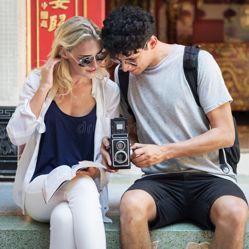 Podróży wycieczki wakacje kamery fotografii pamięci pary pojęcie zdjęcia stock