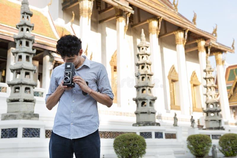 Podróży wycieczki wakacje kamery fotografii pamięci pary pojęcie zdjęcia royalty free