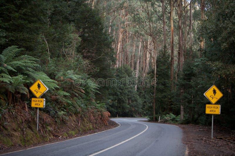 podróży wyginająca się droga podpisuje dwa zdjęcia royalty free