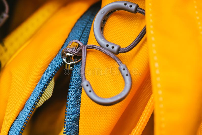 Podr??y torba Zamka błyskawicznego kędziorek na plecaka kolorze żółtym ilustracja wektor