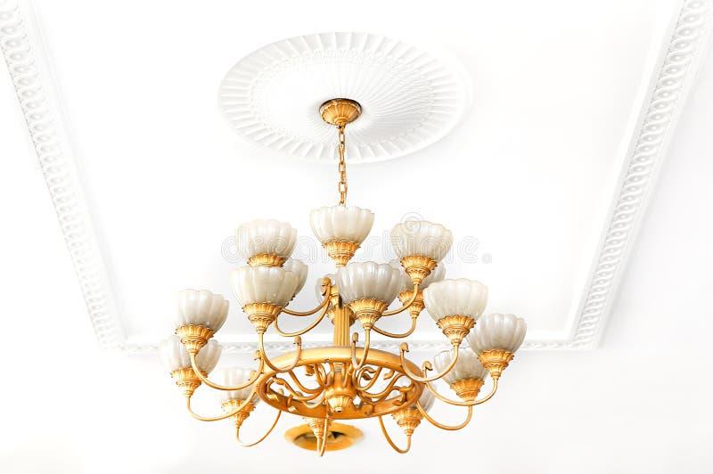 Podsufitowych świateł świecznik zdjęcie royalty free