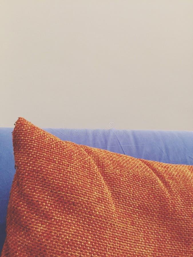 Poduszka na kanapie tekstura i powierzchnia - szczegół - zdjęcia royalty free