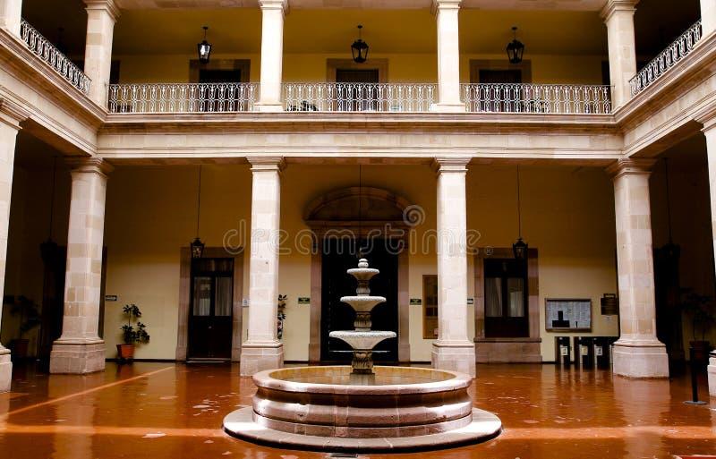podwórza najpierw miejski pałac zdjęcia royalty free