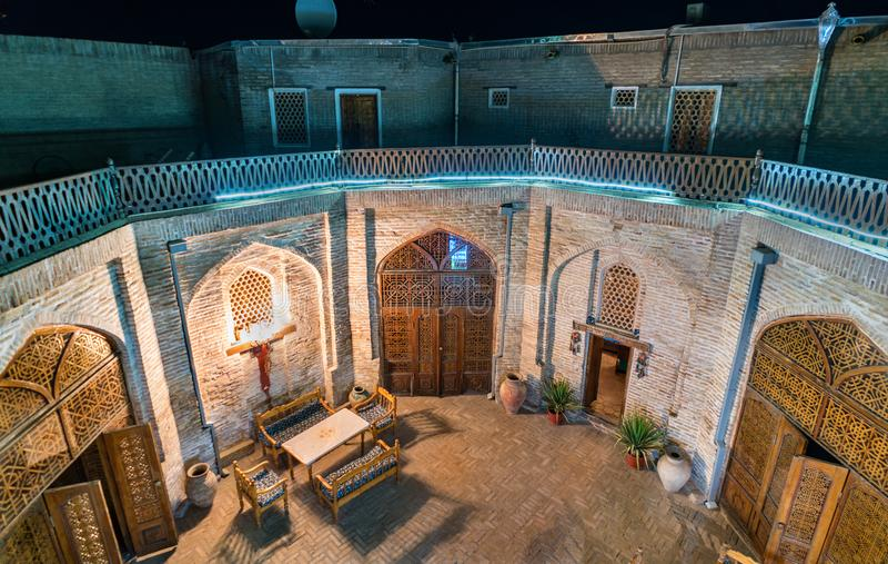 Podwórze średniowieczny karawanseraj w Bukhara, Uzbekistan fotografia royalty free