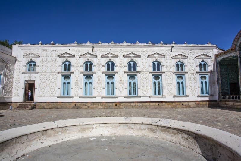 Podwórze, powierzchowność i fasada Mohihosa/, emira ` s pałac w Bukhara, Uzbekistan obraz royalty free