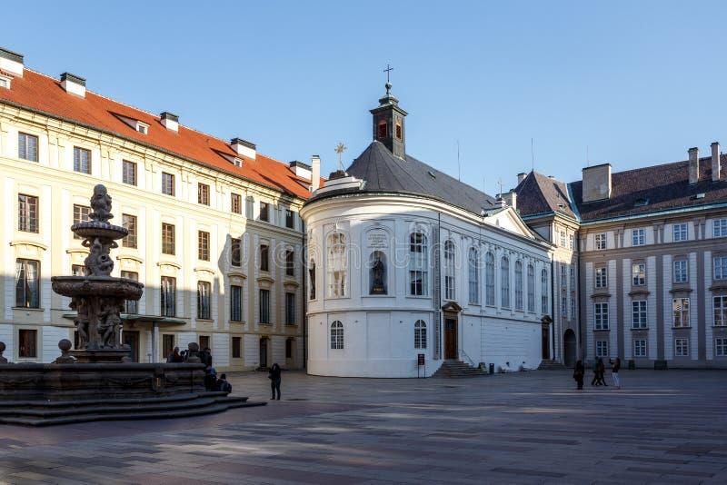 Podwórze Praga kasztel zdjęcie stock
