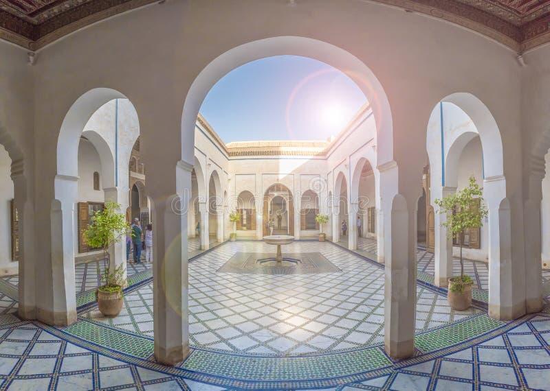 Podwórze przy El Bahia pałac zdjęcie stock