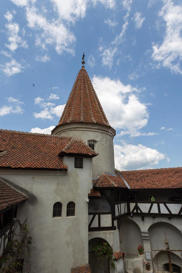 Podwórze przy otręby kasztelem, Rumunia obrazy stock