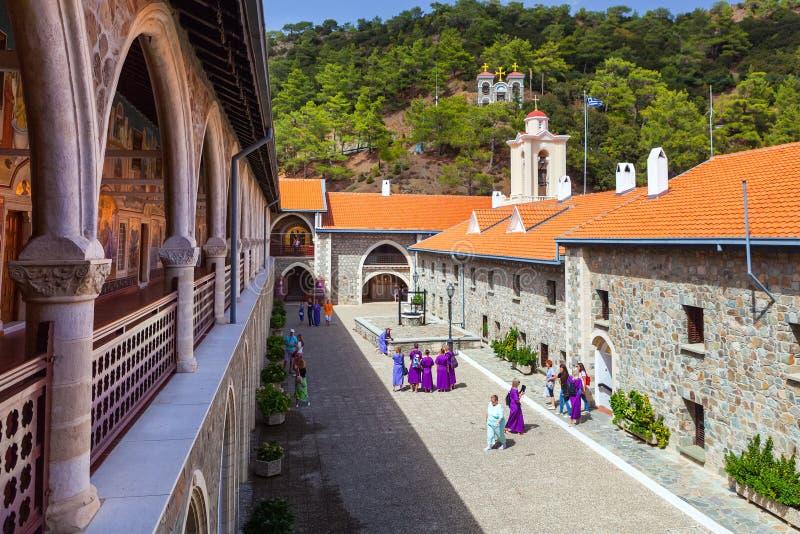 Podwórze w sławnym Kykkos monasterze zdjęcie royalty free