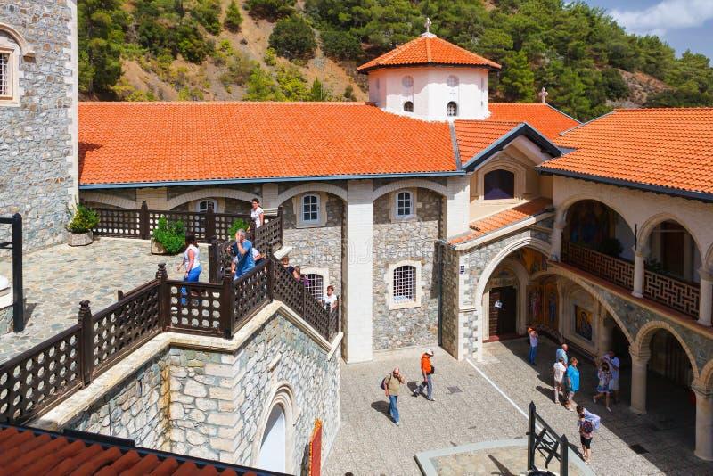 Podwórze w sławnym Kykkos monasterze fotografia royalty free