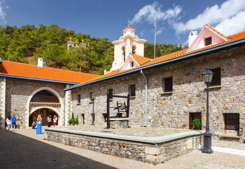 Podwórze w sławnym Kykkos monasterze obrazy stock
