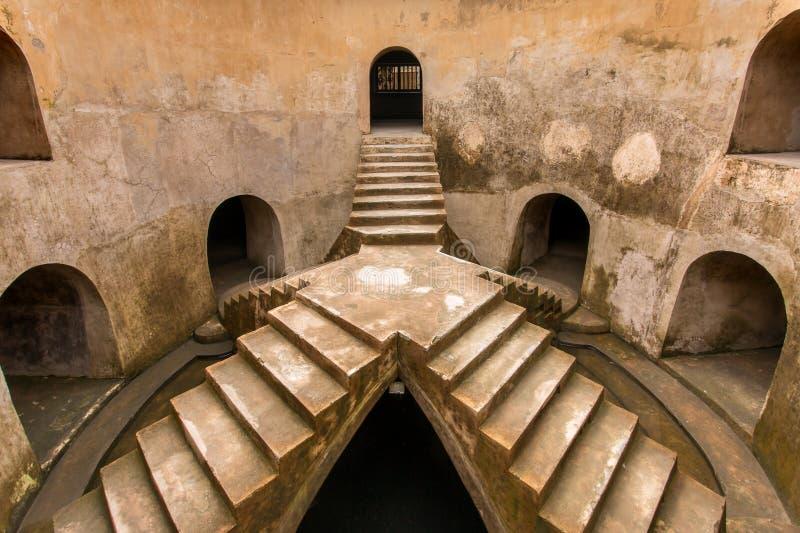 Podwyższona platforma Sumur Gumuling Taman sari wody meczetowy kasztel obraz royalty free