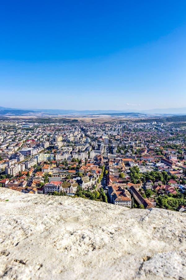 Podwyższony miasto widok Deva, Rumunia obraz stock