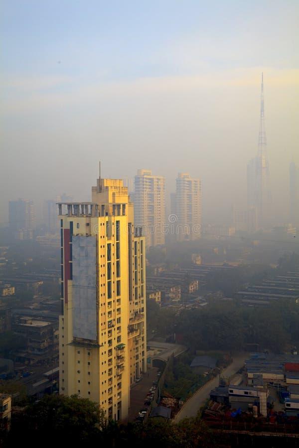 Podwyższony smog wypełniająca widoku Bombay linia horyzontu zdjęcie stock