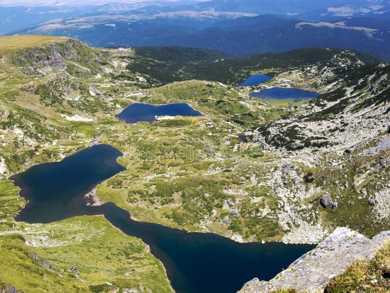 Podwyższony widok cztery Siedem Rila jezior w Rila górach, Bułgaria zdjęcia stock