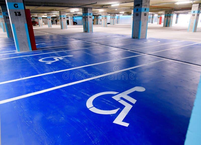 Podziemny parking dla niepełnosprawnych persons fotografia royalty free