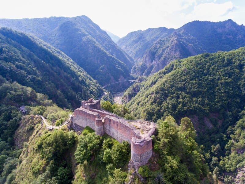 Poenari fästning, Arges, Rumänien fotografering för bildbyråer