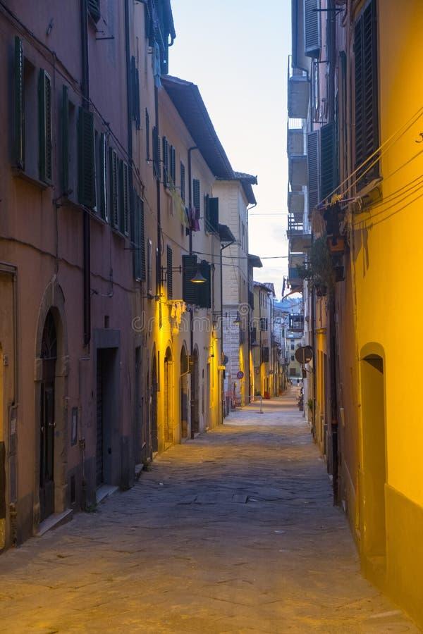 Poggibonsi, Siena, na noite fotos de stock