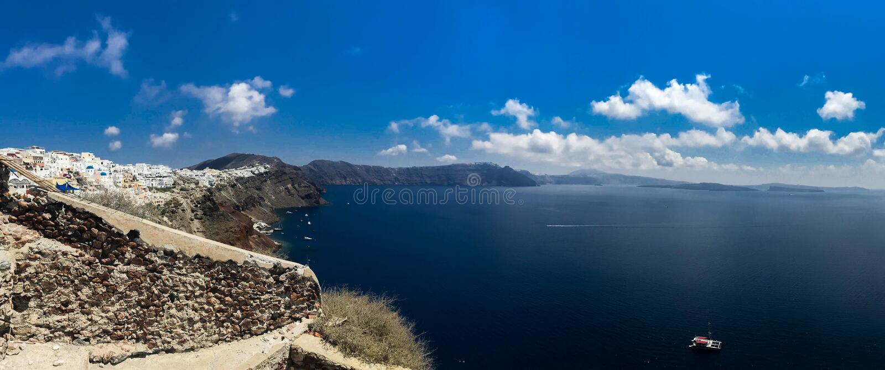 Pogodna ranek panorama Santorini wyspa Kolorowego wiosna widoku offamous Grecki kurort Fira, Grecja, Europa fotografia stock
