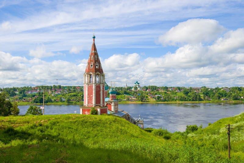 Pogodny Lipa dzień przy kościół Kazan ikona matka bóg Tutaev zdjęcia royalty free