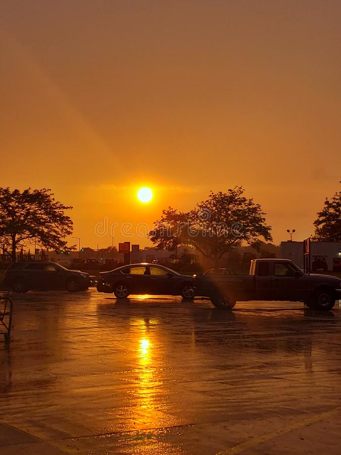 Pogodny parking W deszczu zdjęcia stock