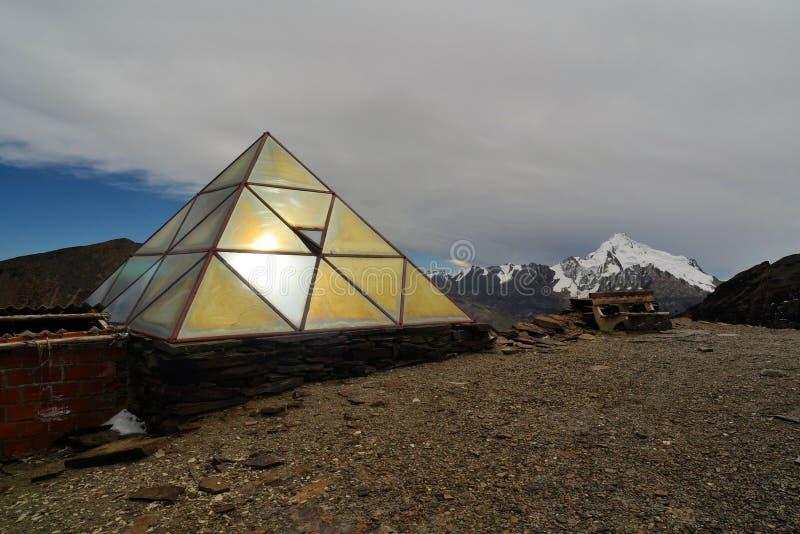 Pogodowa stacja na Chacaltaya blisko losu angeles Paz, Boliwia obraz stock