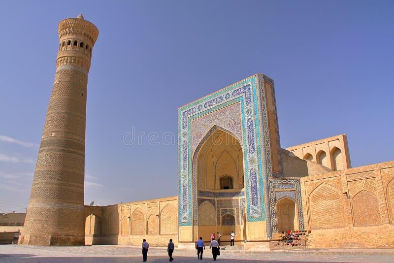 Poi Kalon minaret w Bukhara i meczet obraz stock
