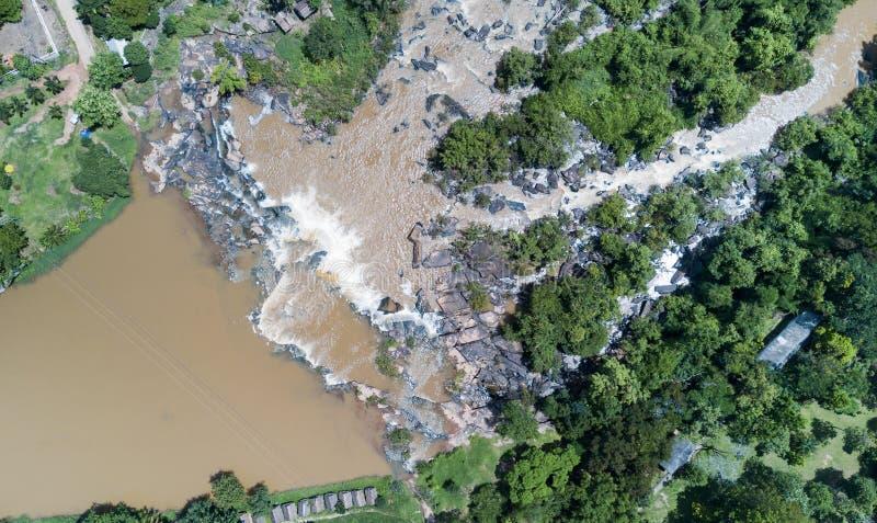 Poi-vattenfall i det Phitsanulok landskapet, Thailand arkivbilder
