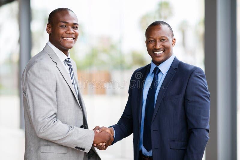 Poignée de main d'hommes d'affaires photo libre de droits