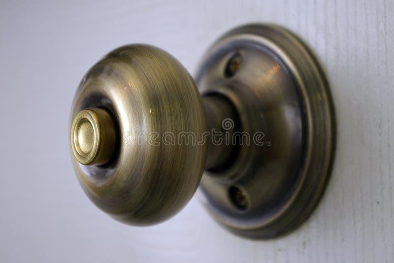 Poignée de porte en laiton photo libre de droits