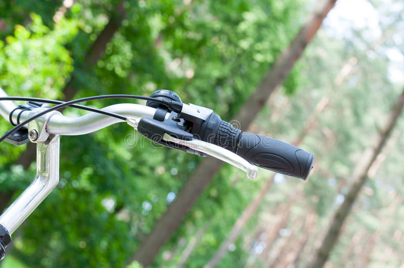 Poignée de vélo photographie stock libre de droits
