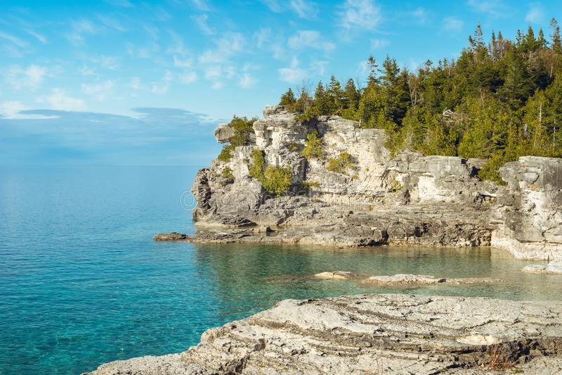 Point à mi-chemin de roche, Bruce Peninsula National Park, Ontario photo libre de droits