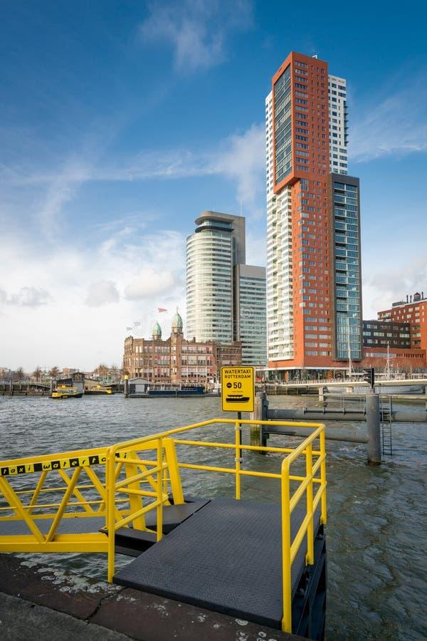 Point bording de taxi de rivière image libre de droits