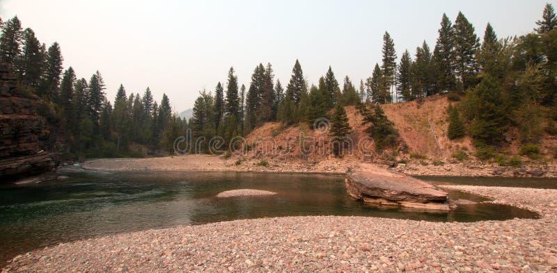 Point de rencontre à tête plate et repéré de rivières d'ours dans le secteur de région sauvage de Bob Marshall pendant les 2017 f photos stock