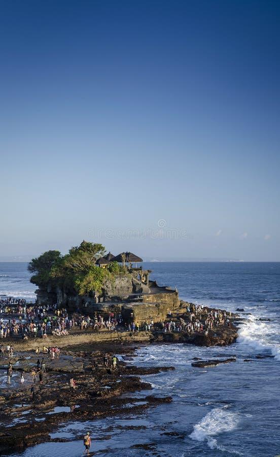Point de repère de temple de sort de tanah de Pura sur la côte Indonésie d'île de Bali image libre de droits