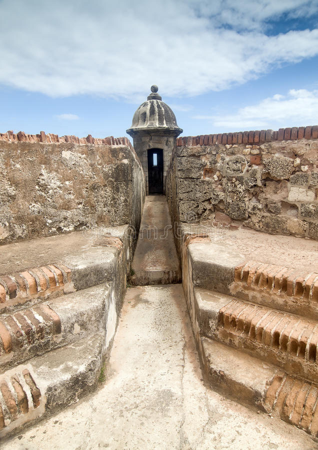 Point de sécurité à la forteresse coloniale image libre de droits