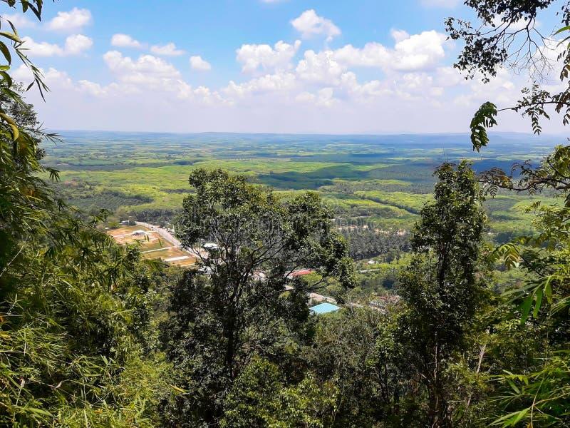 Point de vue Bouddha en Wat Tham Seua Tiger Cave chez Krabi, Thail images stock