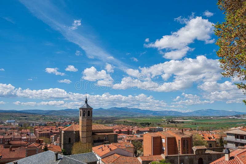 Point de vue d'Avila ambles d'Espagne, Valle, Santiago Church, couvent de Nuestra Senora de Gracia images stock