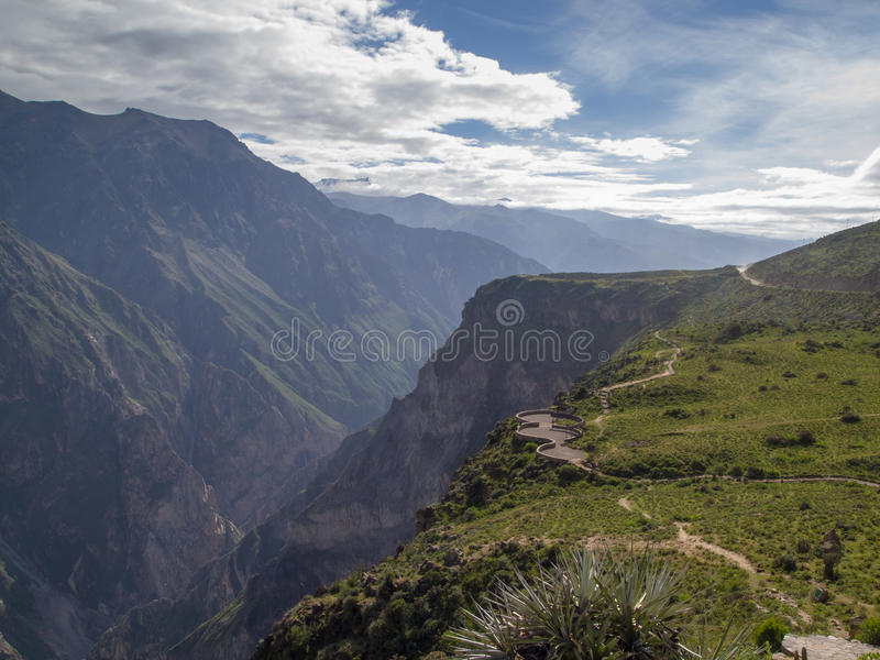 Point de vue de canyon de Colca, Pérou. photo stock