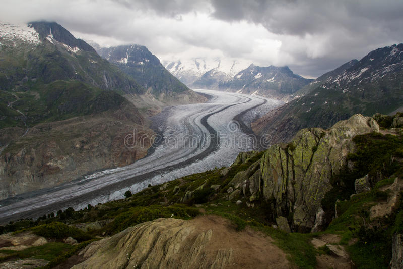 Download Point De Vue De Glacier D'Aletsch Image stock - Image du signe, carlingue: 45369409