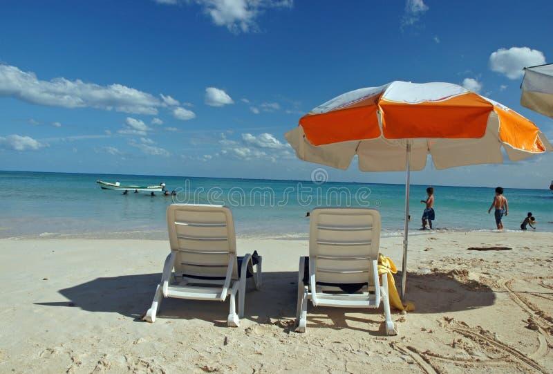 Point de vue de parapluie de plage images libres de droits