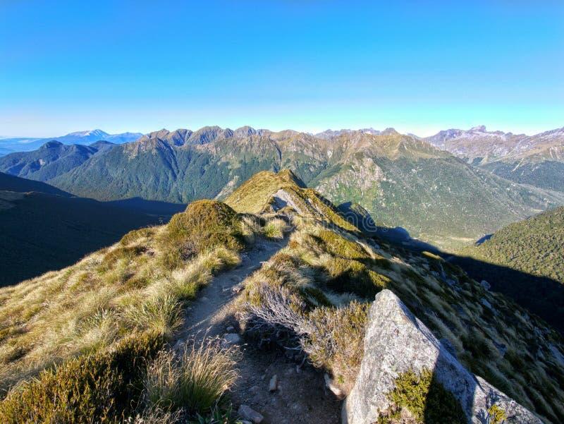 Point de vue panoramique sur la voie Nouvelle Zélande de kepler photographie stock libre de droits