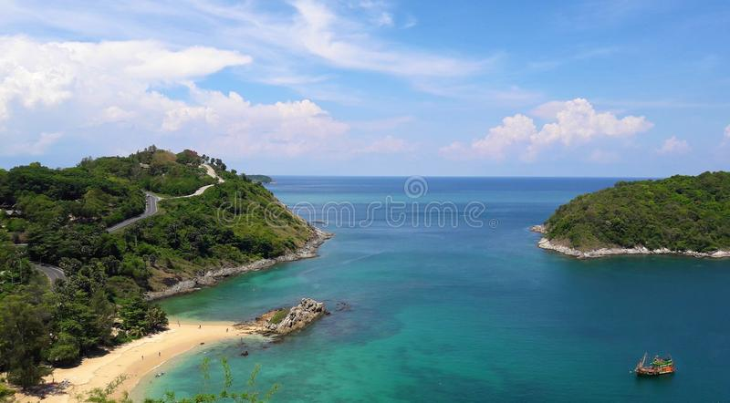 Point de vue de Phuket Voyez la mer bleue photos stock