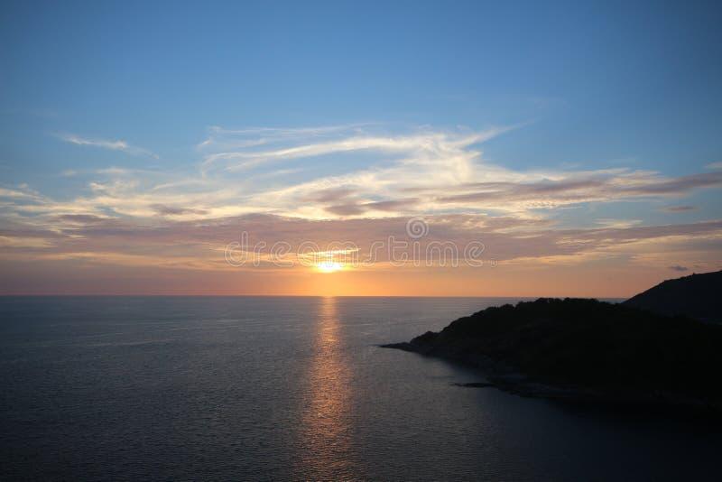Point de vue Thaïlande de Phuket de coucher du soleil images stock