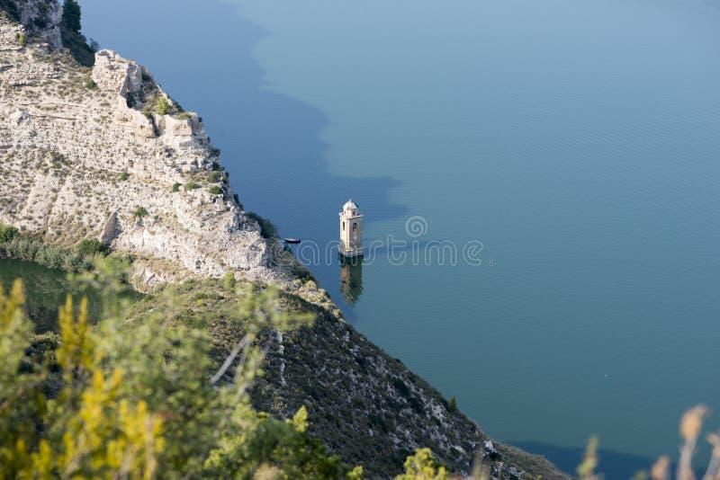 Point de vue vers la rivière l'Èbre image stock