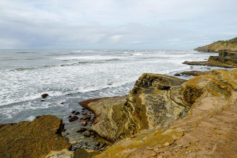 Point Loma przyp?ywu baseny Warstwy skała w piaskowu przypływu basenu teren, część Cabrillo obywatel Monume obraz stock