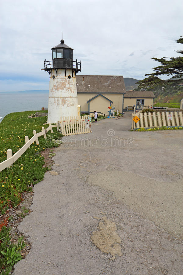 Free Point Montara Fog Signal And Light Station Youth Hostel Royalty Free Stock Photos - 89785868
