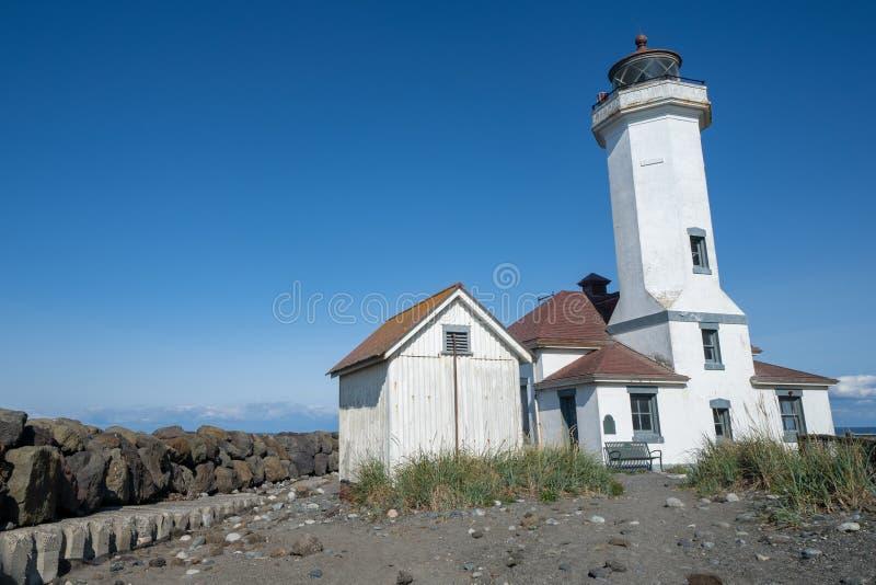 Point Wilson Lighthouse en parc d'état de Worden de fort en Washington State, dans Townsend gauche images libres de droits