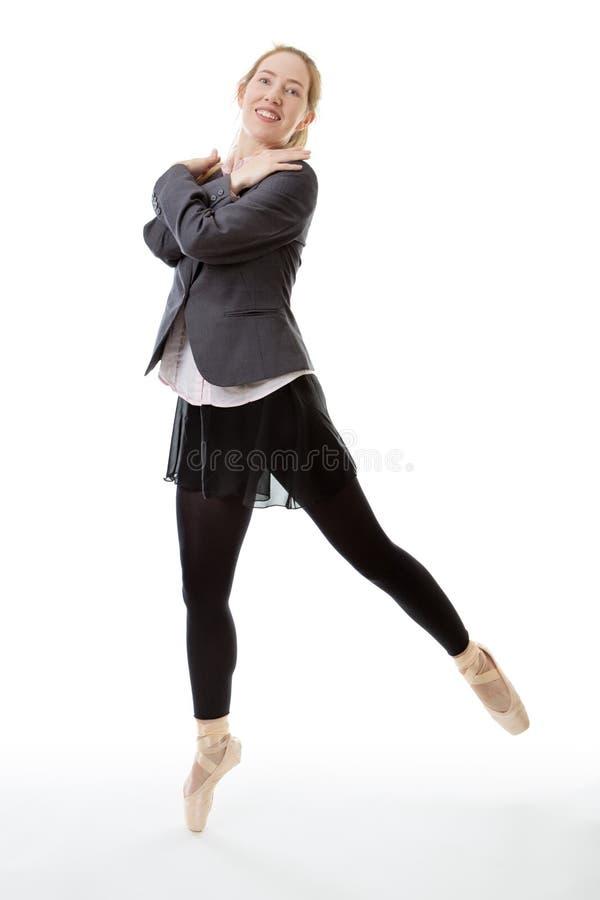 Pointe dell'en della ballerina di affari fotografia stock libera da diritti