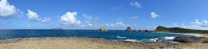 Pointe des-Chateaux, en halvö i Guadeloupe arkivbilder